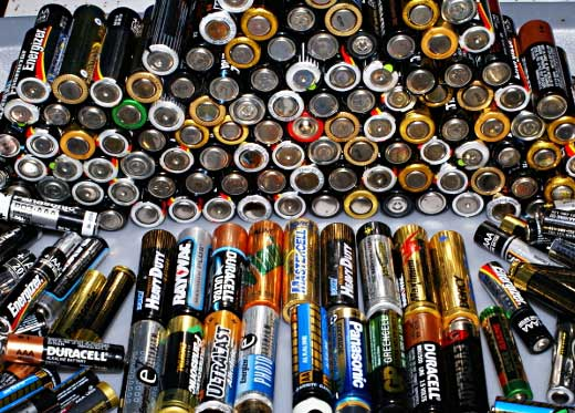 What's the real difference between rechargeable batteries and